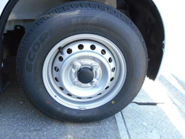 走行距離も少ないだけにタイヤの残量もタップリ◎タイヤは安いものではないので、中古車を買うときには大事なチェックポイントですよね!