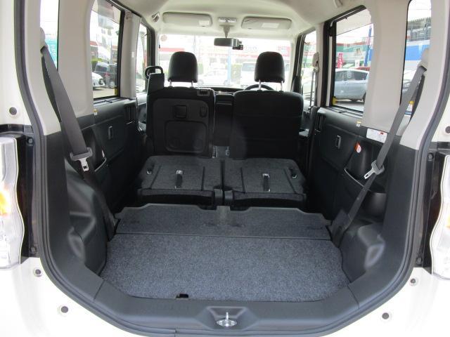 小回りがきく小さなボディの軽自動車でもリアシートを倒せば結構荷物が詰めます!