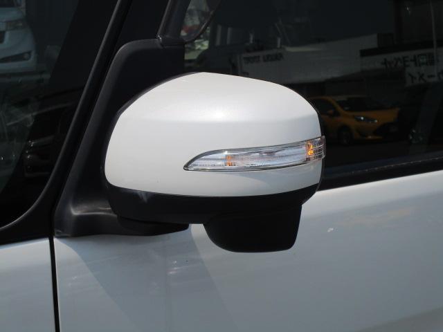 高級感あふれるウインカー付きドアミラー!実はデザインだけではなく、交差点を曲がる時に前方からの車が確認しやすくなるので事故防止にも繋がります!
