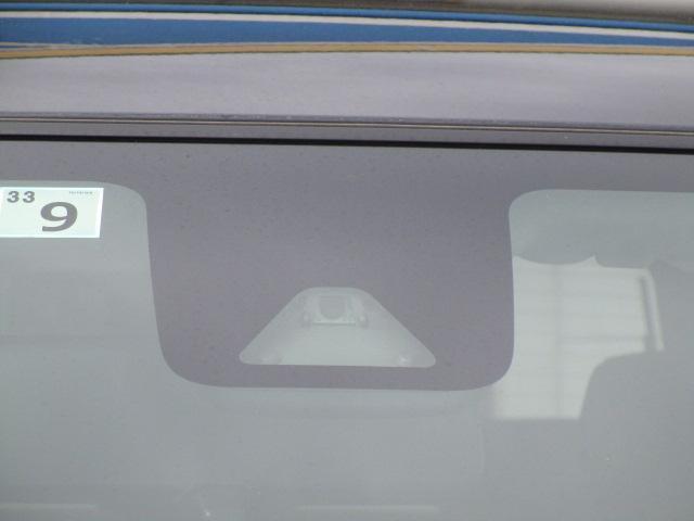 プッシュスタ-トボタン(盗難防止機能イモビライザ-付き)でドアの開け閉めからエンジンをかけたり止めたりするのにボタンを押すだけ!