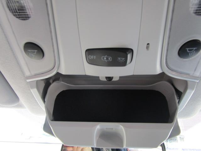 Sツーリングセレクション 真紅のプリウスSツーリング ブルートゥース付きSDナビ シートヒーター ETC装備満載 快適なドライブをどうぞ(8枚目)