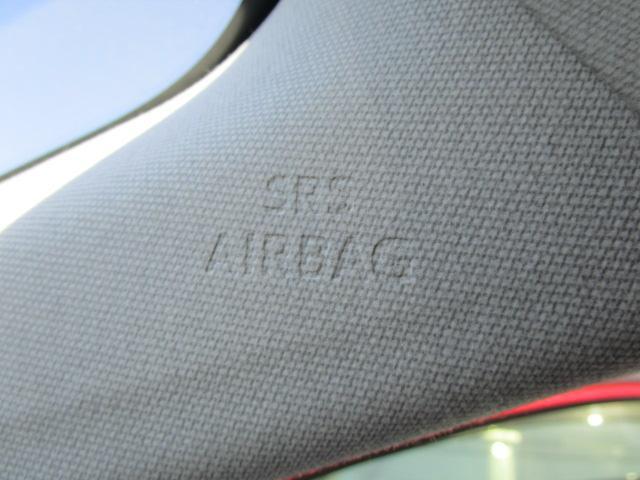 Sツーリングセレクション 真紅のプリウスSツーリング ブルートゥース付きSDナビ シートヒーター ETC装備満載 快適なドライブをどうぞ(9枚目)