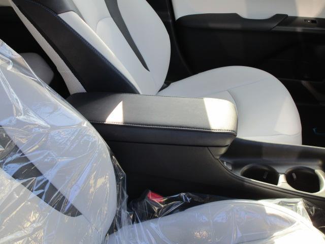 Sツーリングセレクション 真紅のプリウスSツーリング ブルートゥース付きSDナビ シートヒーター ETC装備満載 快適なドライブをどうぞ(10枚目)