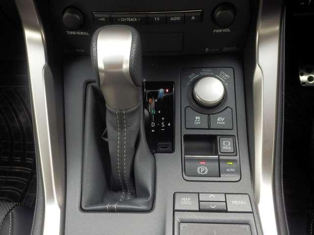 レクサス NX NX300h Fスポーツ 純正メモリーナビ地デジ 黒革