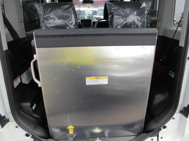 660ハイブリッドX 車いす移動車・リヤシート付(18枚目)
