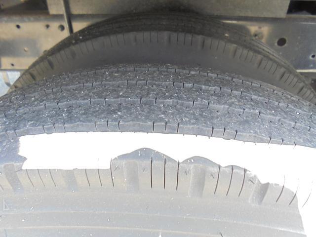 高床 2tロング Wタイヤ 3方開 5速 ディーゼル車(17枚目)