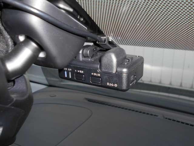もしも事故に巻き込まれた時に目撃者がいなかったら…そんな時のためのドライブレコーダーです!