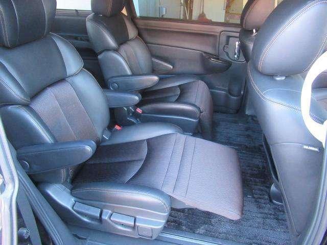 ◆後部座席◆足元ゆったり快適空間!