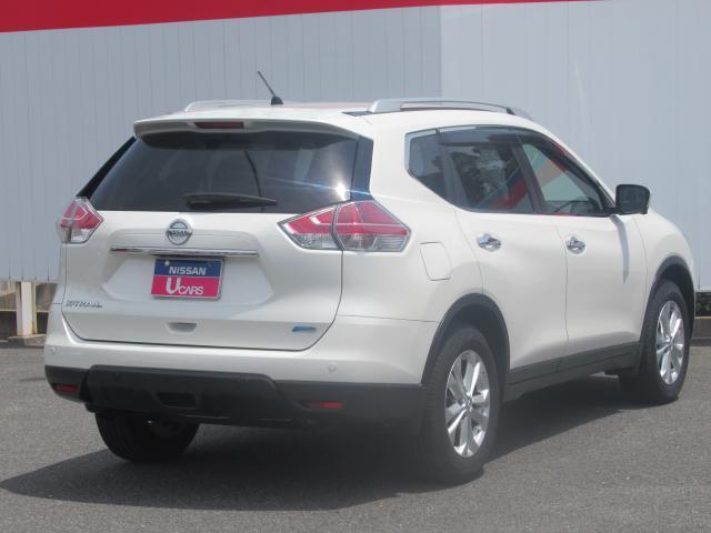 人気色パールホワイト 長距離でも町乗りでもこなす万能型SUV!車内の広さ高さを兼ね備えた1台です!!