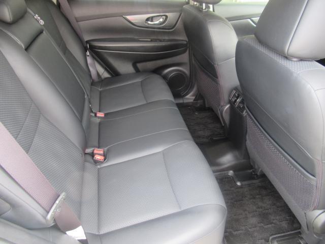 ◆後部座席◆足元ゆったり快適空間!大人の方が乗ってもゆったり出来る幅がしっかりあります。