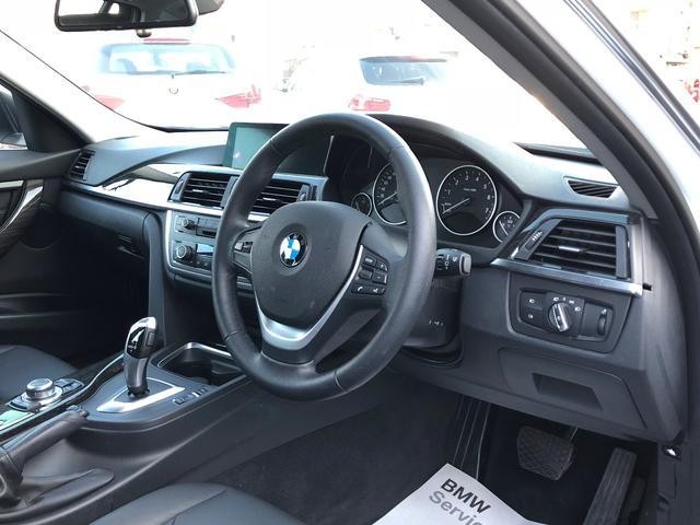 BMW BMW 320iツーリング ラグジュアリー 黒革