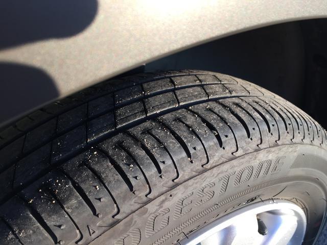 タイヤ溝はたっぷりあります。