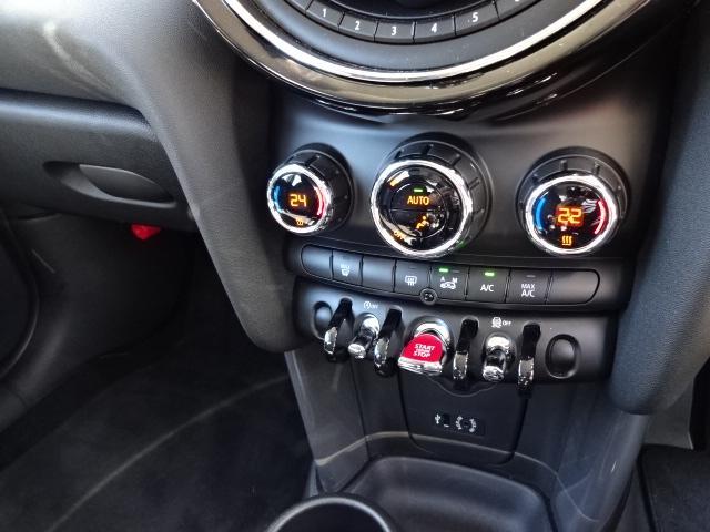 MINI MINI クーパーDワンオーナー禁煙車純正HDDナビバックモニター