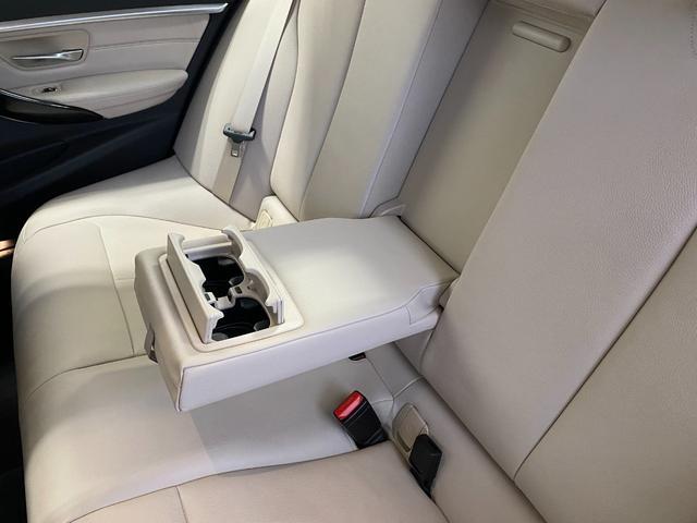 320i スポーツ 18インチホイール パーキングサポートパッケージ アドバンスドアクティブセーフティーパッケージ レーンチェンジウォーニング オイスターレザーシート(32枚目)
