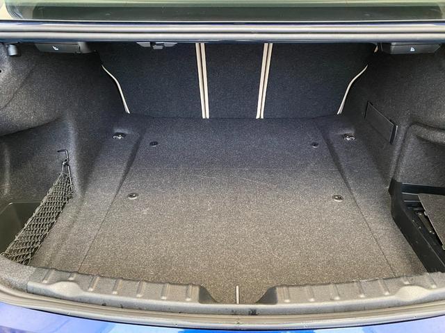 320i スポーツ 18インチホイール パーキングサポートパッケージ アドバンスドアクティブセーフティーパッケージ レーンチェンジウォーニング オイスターレザーシート(37枚目)