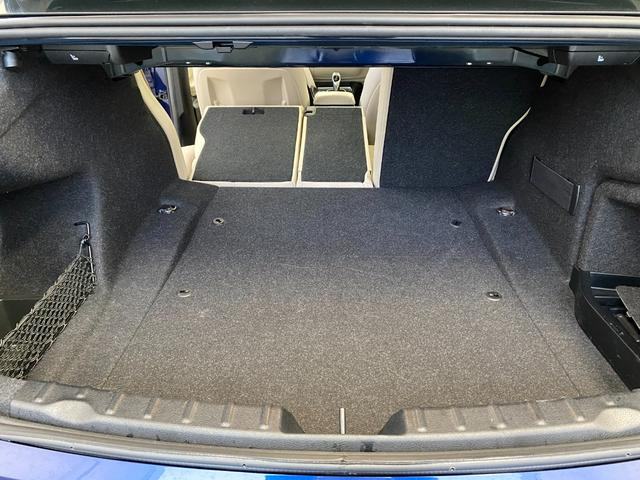 320i スポーツ 18インチホイール パーキングサポートパッケージ アドバンスドアクティブセーフティーパッケージ レーンチェンジウォーニング オイスターレザーシート(39枚目)