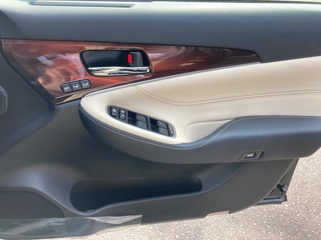 ロイヤルサルーンG ドライブレコーダー ETC オートクルーズコントロール バックカメラ ナビ アルミホイール オートマチックハイビーム HID ヘッドライトウォッシャー CVT Bluetooth USB CD(13枚目)