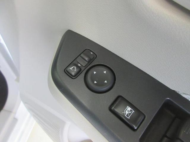 S EBD付ABS/横滑り防止装置/アイドリングストップ/エアバッグ 運転席/エアバッグ 助手席/エアバッグ サイド/パワーウインドウ/キーレスエントリー/パワーステアリング/盗難防止システム/禁煙車(12枚目)