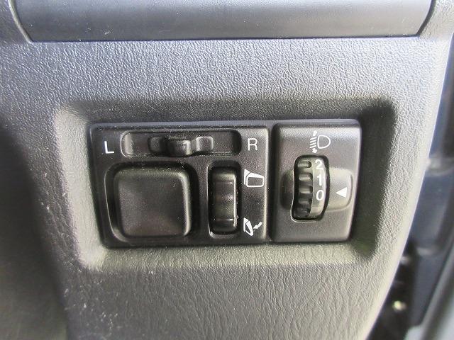 ランドベンチャー シート ハーフレザー/ETC/ABS/エアバッグ 運転席/エアバッグ 助手席/アルミホイール/パワーウインドウ/キーレスエントリー/パワーステアリング/ワンオーナー/4WD/マニュアルエアコン(12枚目)