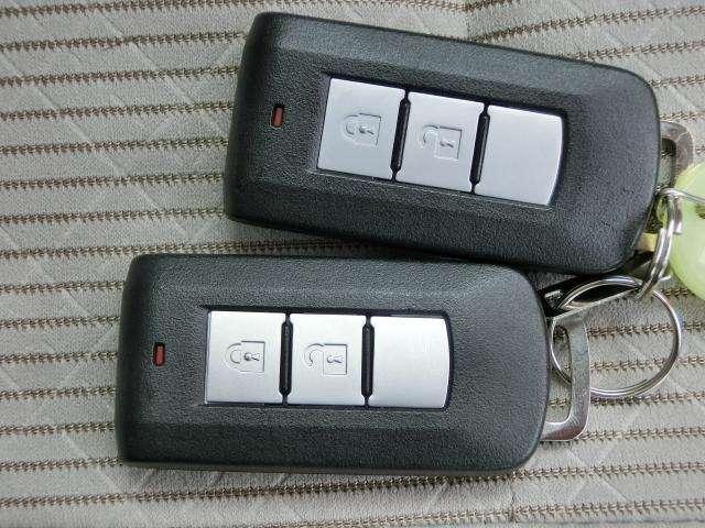 インテリジェントキー☆鞄の中に入れててもエンジン始動等が出来るので便利です。