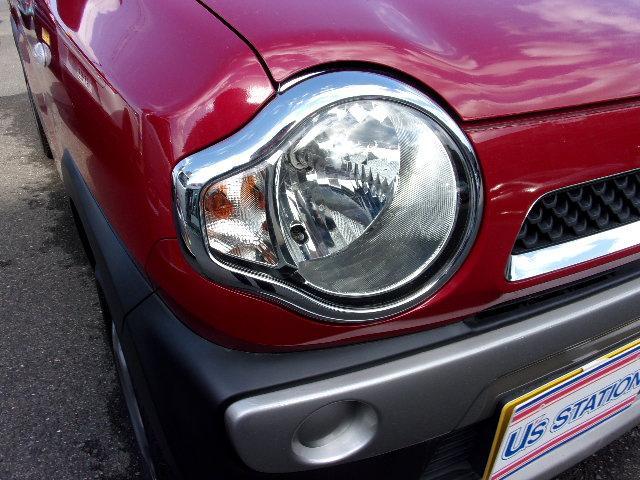 ヘッドライトはハロゲンライトです