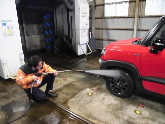 御納車前には選任スタッフが真心こめて清掃いたします!!