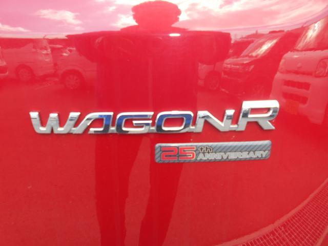 ワゴンRのリアエンブレムと25周年記念車のエンブレムです!