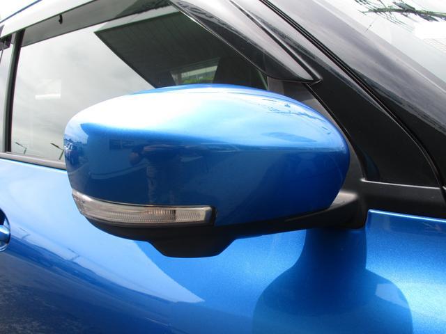 ドアミラーウインカーも標準装備。付いているだけでカッコよさもUPしますね♪