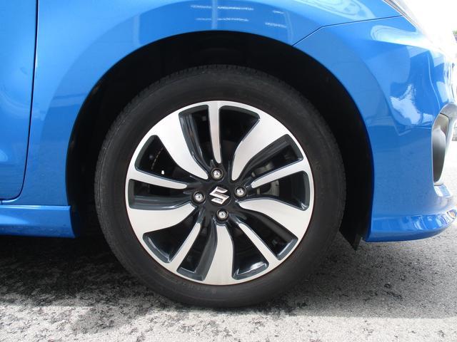 タイヤサイズは185/55R16です。