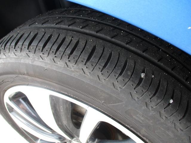 リヤタイヤもタイヤ溝は充分に残っています☆