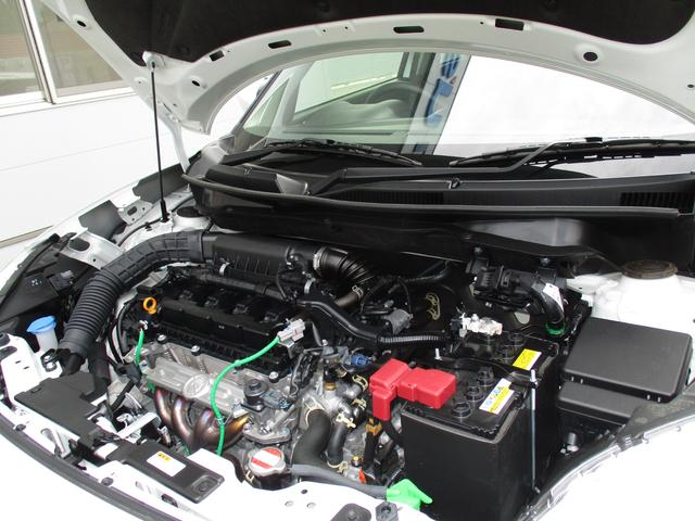 日頃、手入れを忘れがちなエンジンルームも綺麗に仕上げています。エンジンルームが綺麗だと不具合が起きた時に発見しやすいのです。