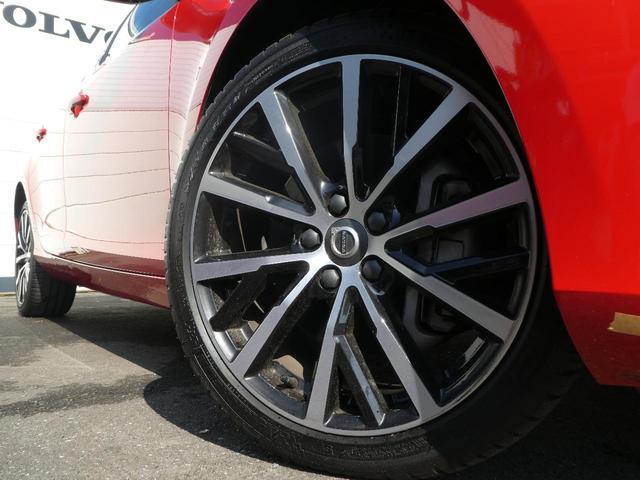 ◆純正オプション18アルミ『通常は17インチのシルバーカラーが標準となりますが、こちらの車輌にはオプションの18インチアルミを装着しております!』