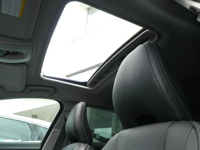 オーシャンレースEDはサンルーフを特別装備!内装は黒革でまとめられており、開放感溢れる室内空間を演出いたします!サンシェードも装備しており暑い夏でも安心です!