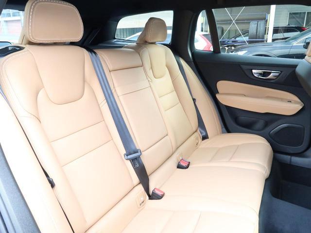 クロスカントリー T5 AWD 弊社試乗車 2020年モデル 4輪駆動 シートヒーター 純正ナビ 360℃カメラ パワーテールゲート 電動シート PCC(13枚目)