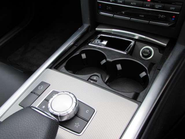 メルセデス・ベンツ M・ベンツ E220ブルーテック レーダーセーフティ ハーフ革シートSR