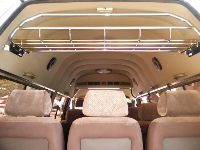 トヨタ ハイエースワゴン グランドキャビン 3.0ディーゼルターボ 10人乗り