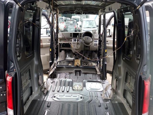 汚れのひどい車両は分解して洗浄しております!整備風景3