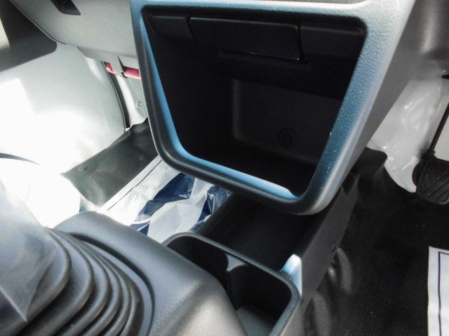 スーパーキャリイ X HIDライト 4WD 新車保証継承(28枚目)
