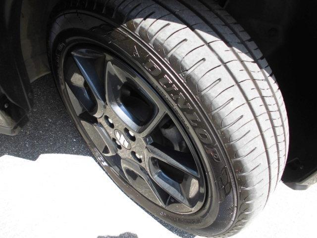 タイヤ溝もまだまだこれからです!