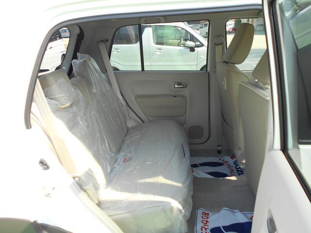 リヤシート 運転席側からの室内