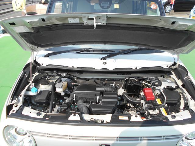 エンジンルームの画像です。安心してお乗りいただけますように、自社工場にてしっかりと点検・整備後納車させていただきます