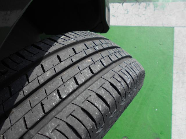 タイヤの溝はまだまだ大丈夫です!