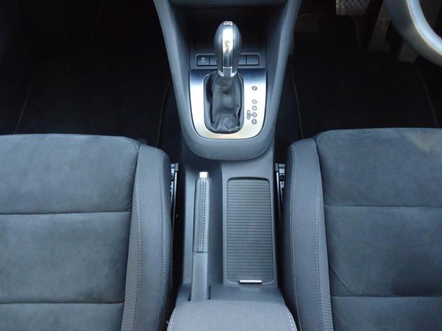 TSIコンフォートライン /SDナビ フルセグ ETC Bluetooth DVD CD オートライト 純正アルミ キーレス 盗難防止システム サイドエアバッグ ABS オートエアコン(11枚目)