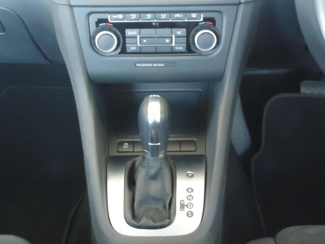 TSIコンフォートライン /SDナビ フルセグ ETC Bluetooth DVD CD オートライト 純正アルミ キーレス 盗難防止システム サイドエアバッグ ABS オートエアコン(13枚目)