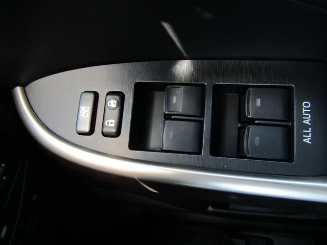 トヨタ プリウス Sマイコーデ 8型フルセグSDナビ ソフトレザー