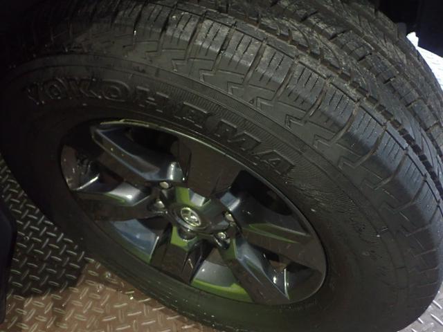 ★【純正17インチアルミホイール!】タイヤの状態も御覧のように十分な溝が残っています!【社外ホイール】ご希望のお客様もお気軽にご相談下さい!★