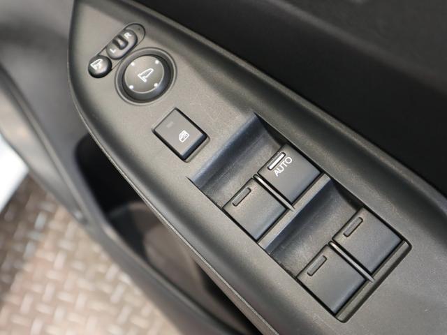 Lパッケージ 純正ディスプレイオーディオ Bカメラ ハーフレザーシート VSA ドライブレコーダー クルーズコントロール スマートキー Pスタート ミラーウィンカー ETC オートLEDライト 7AT(33枚目)
