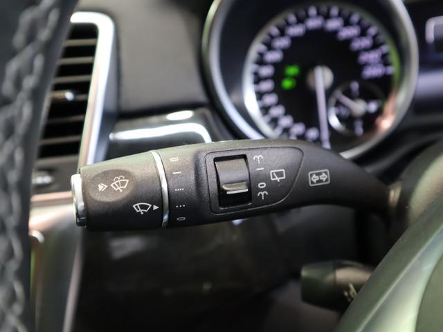 ML350 ブルーテック4マチックAMGスポーツ 4WD フルセグHDDナビ Bカメラ 黒革Pシート 全席シートヒーター プレセーフブレーキ レーンキープアシスト F&Rソナー キーレスゴー Pバックドア ルーフレール オートHID&フォグ 20AW 7AT(20枚目)