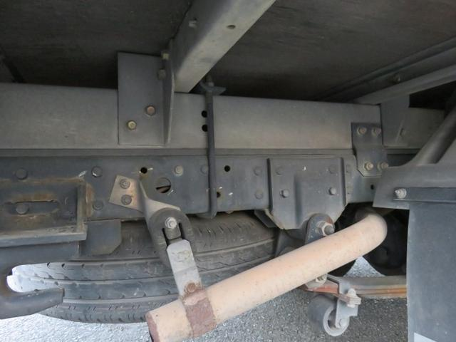 三菱ふそう キャンター 1.5t ドライバン 全低床