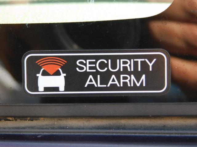☆セキュリティアラーム☆ 不正にドアが開けられると、ブザーが鳴るなどして周囲に異常をしらせます。